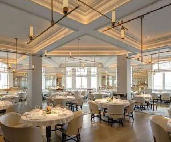 18. Interior Restoran